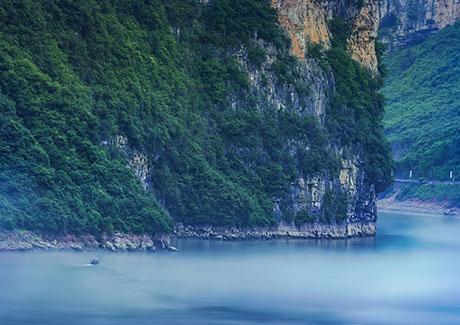 ☎重庆三峡旅游,水上恩施清江大峡谷+女儿城+野三峡黄鹤桥+蝴蝶岩二日游