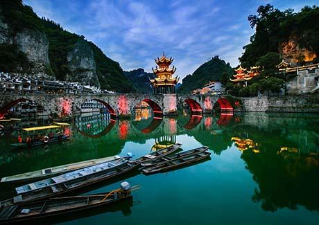 ☎重庆到贵州旅游,贵州荔波大小七孔、黄果树双卧往返五日游