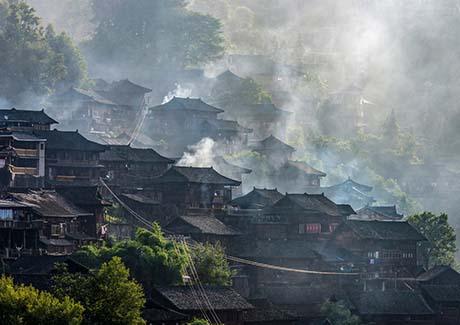 ☎重庆到贵州旅游,贵州梵净山+丹寨万达小镇+中国傩城双汽3日旅游