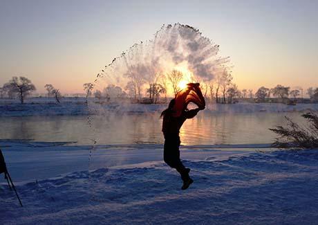 ★重庆到哈尔滨旅游,哈尔滨-漠河-北极村-北红村-九曲十八弯双飞6天旅游!