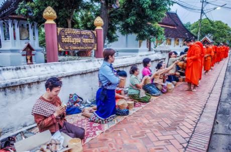 ★重庆到老挝旅游,春节老挝自驾游价格报价 老挝神秘古都琅勃拉邦跨国自驾7日游!
