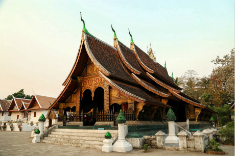 ★重庆到老挝旅游,老挝琅勃拉邦+万荣+万象9天自驾旅游团!