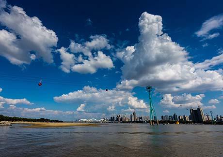 ☎重庆到哈尔滨旅游,哈尔滨、海拉尔、满洲里、呼伦贝尔大草原、漠河、北极村双飞 8日游!